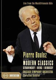 Pierre Bolulez conducts Modern Classic